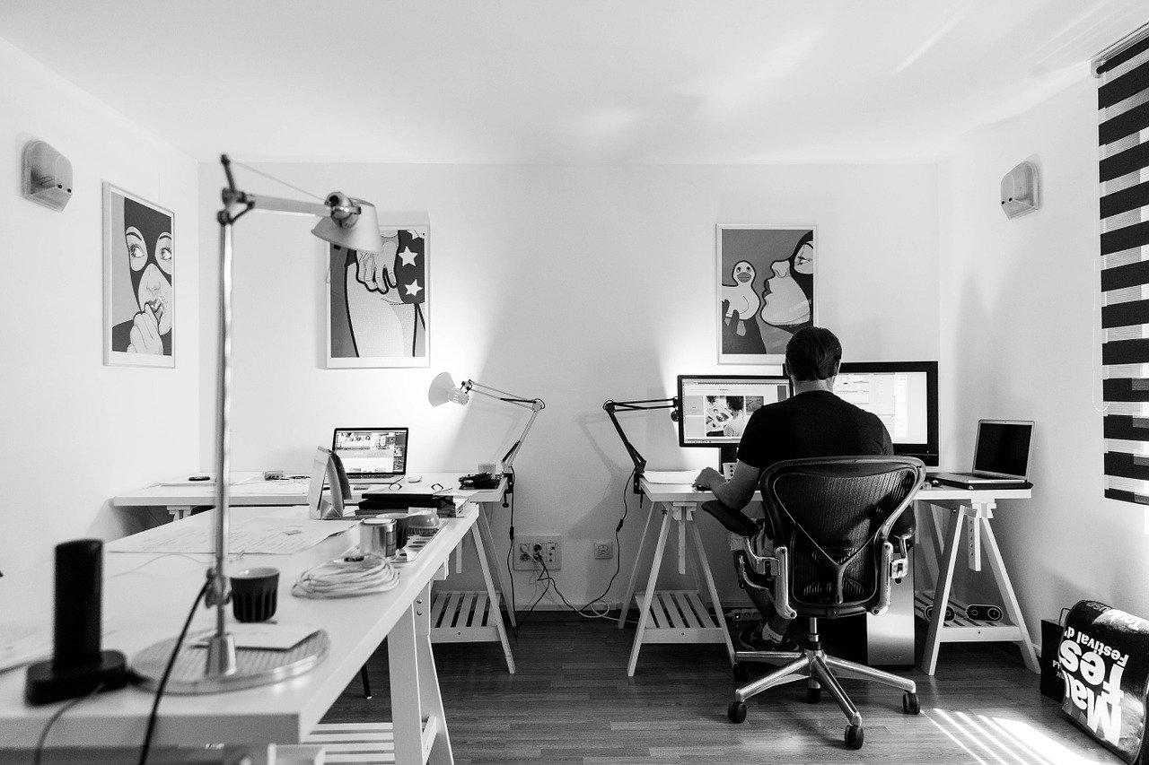 Office Chair Man Writing desk