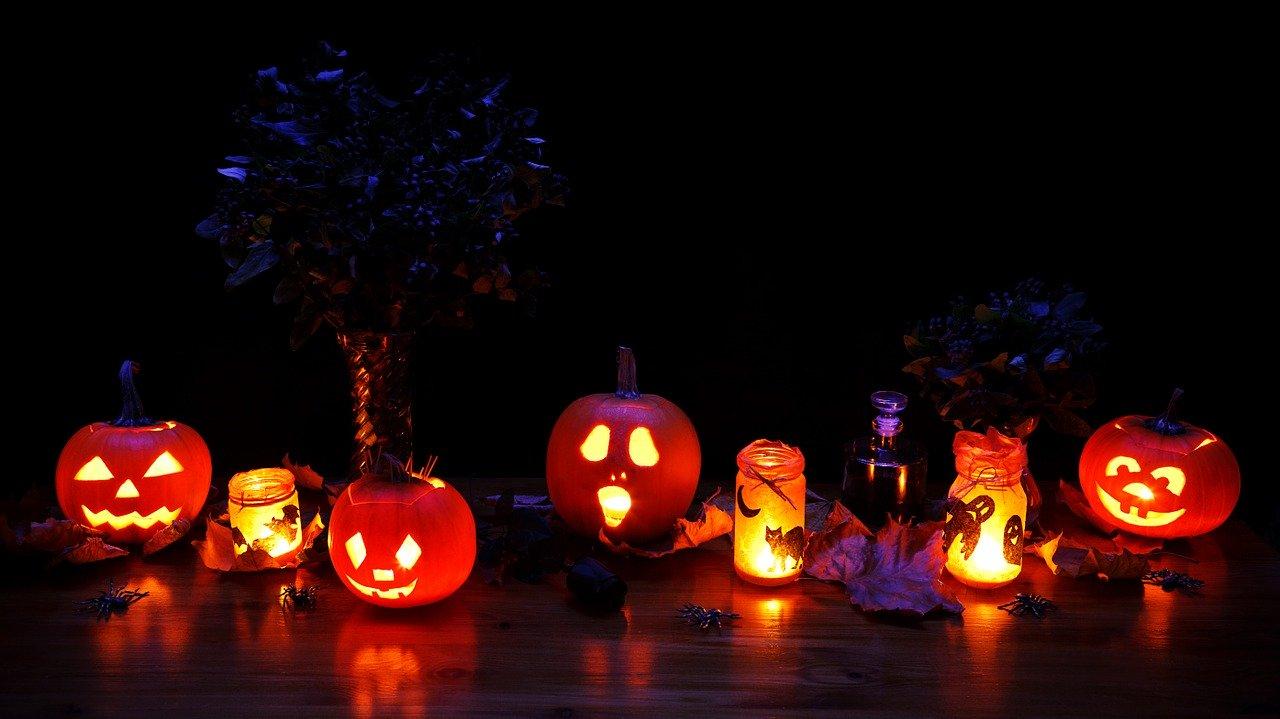 Dark Night Halloween Decor Pumpkin