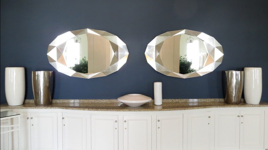 mirror cabinet decorating flower vase