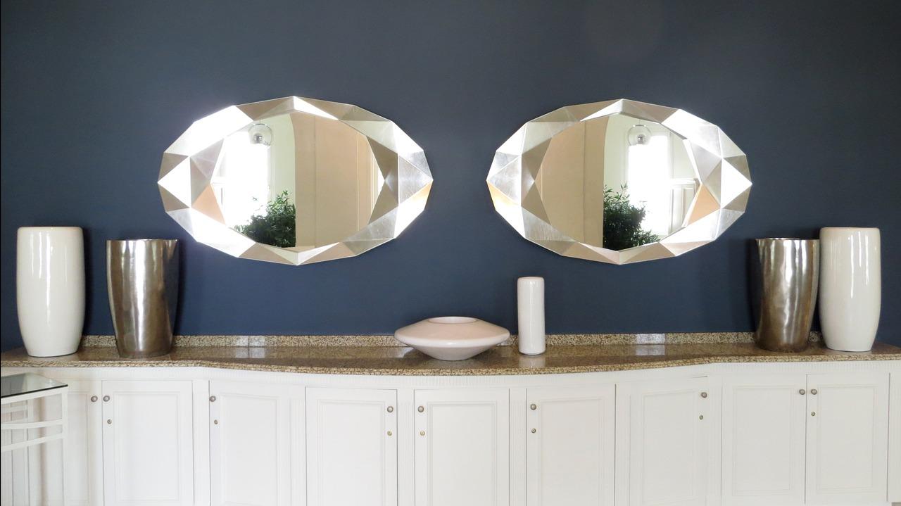 mirror cabinet decorating flower vase